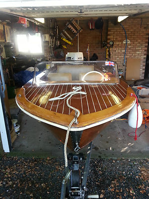 Broom Speed Boat 1960s Wooden Hull Very Rarecollectable Johnson Outboard